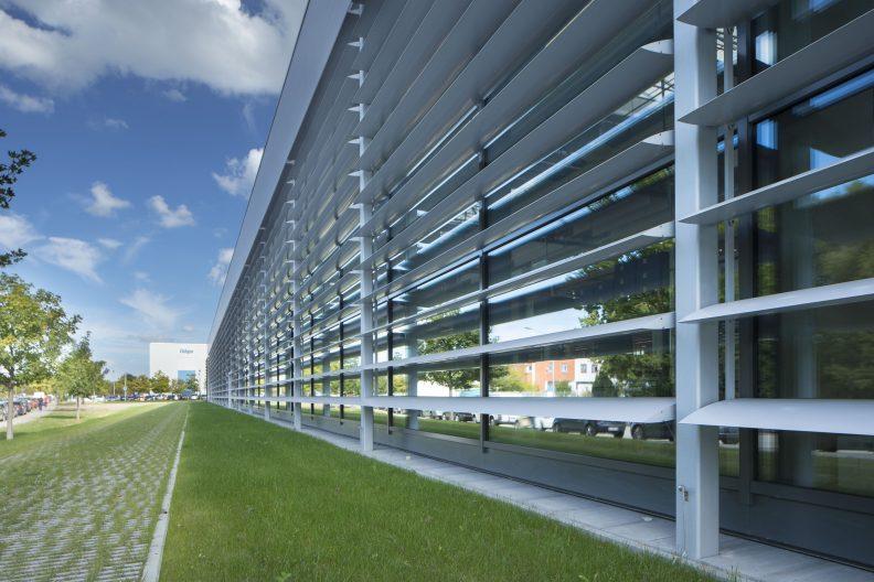 Dräger Zukunftsfabrik, Fassade