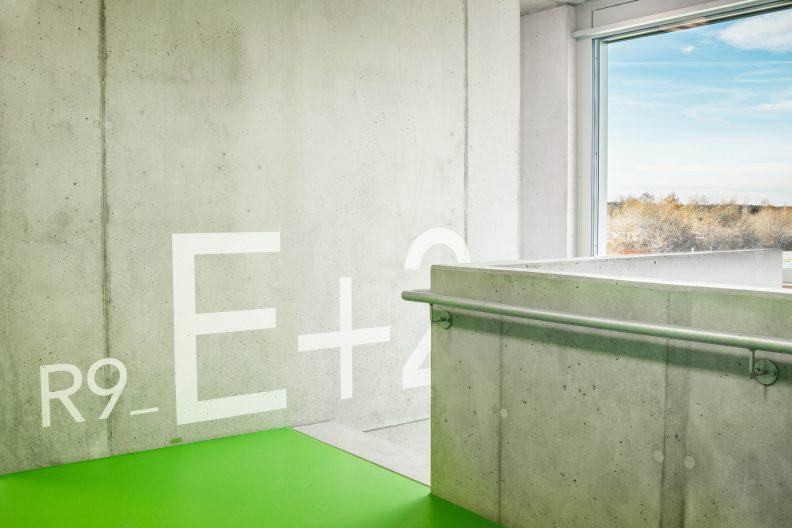 Industriegebäude für Medizintechnik, Treppe