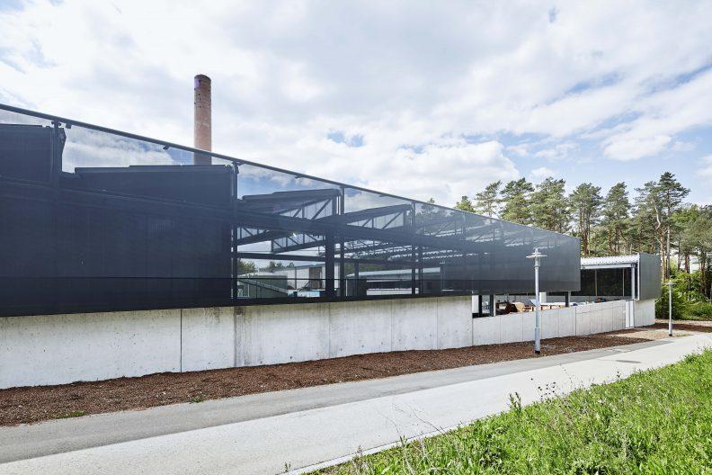 Wertstoffhof Morgenstelle, Fassade gedehntes Textil