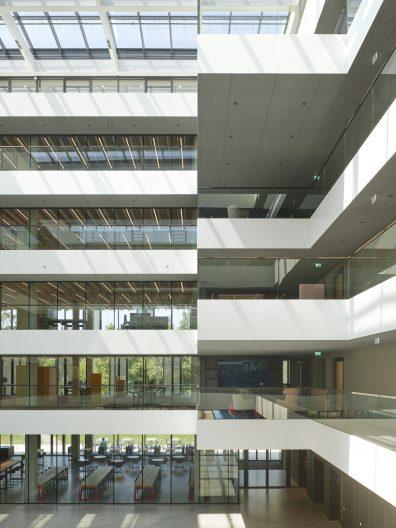 AEB Headquarters, Atrium 1. OG