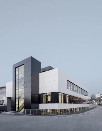 Team Building AMG, Aussenansicht